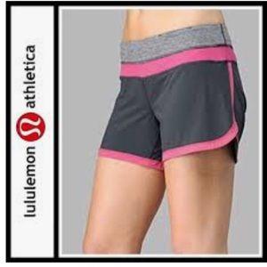 Lululemon Sz 10 Groovy Run Grey / Lilac Short